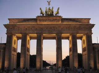 Brandenburg_gate_sunset