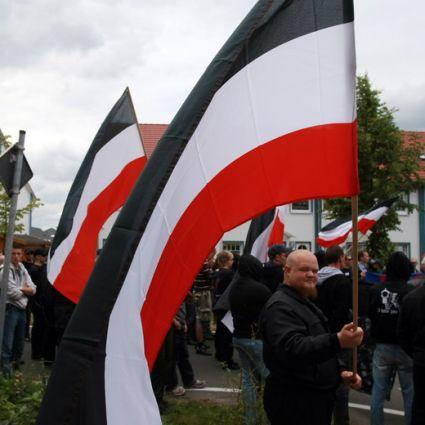 Auch-fuer-reichsbuerger-flagge-schwarz-weiss-rot_855404651_425x425_b263d57112305a445ec8b07ad5882d12